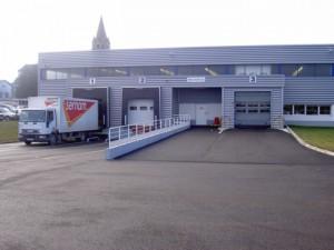 Porte sectionale, équipement de quai et porte rapide