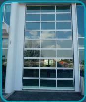 Porte sectionnelle compact vitrée